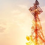 shutterstock-784182451-20-03-20-Combining-mobile-and-satellite-networks-620x354